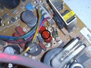 Capasitor 18nF/2KV pada mainboard televisi LG