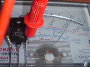 Hasil pengukuran transistor horizontal basis ke emitor