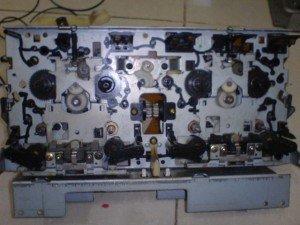 Mekanik Sony compact disc deck
