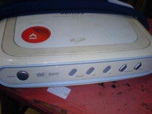 DVD-Player-Philips-DVP400069-300x225