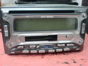 Double-Din-Kenwood-DPX3030-300x225
