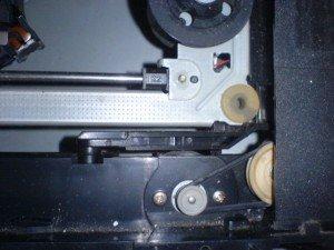 Karet-mekanik-dvd-player-300x225