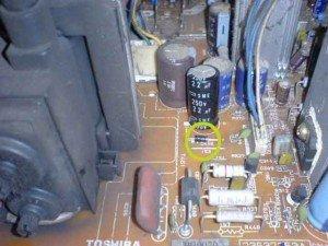 Posisi-dioda-di-mainboard-televisi-Toshiba-300x225