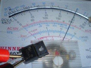 Transistor-2sk2545-hasil-pengukuran-dengan-multitester-300x225