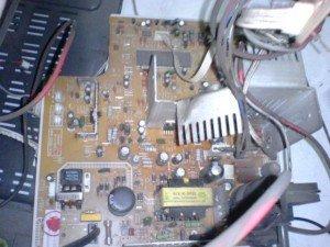 mainboard-televisi-Ichiko-2-300x225