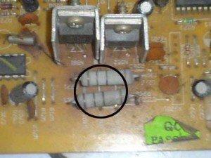 resistor-regulator-mainboard-televisi-300x225