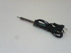 solder-Goot-peralatan-servis-elektronik-300x225