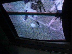 Gbr 1 Tampak depan televisi
