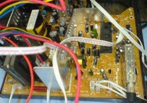 Mainboard-televisi-Wcom-300x211