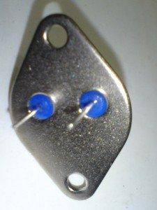 Tampilan belakang transistor 2N3055