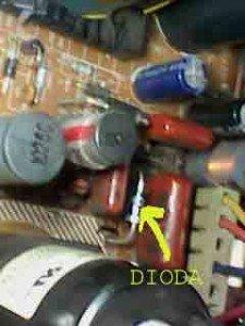 dioda-ru4-di-mainboard